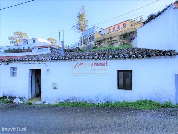 Casa Antiga + Terreno Urbano - Odeleite