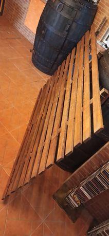 Estrado cama 190x140 em madeira tratada para desocupar