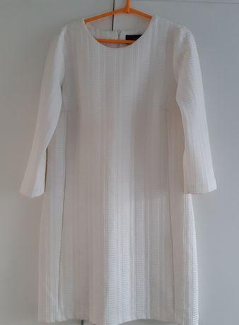 Sukienka w kolorze ecru