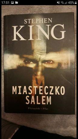 """Książka """"Miasteczko Salem"""""""