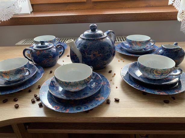 Serwis japońskiej porcelany