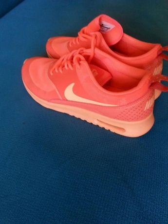 Nike Thea neon 40,5