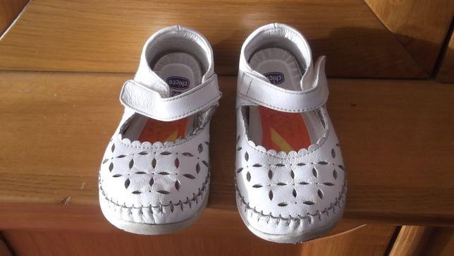 sapatos de menina lindos chicco