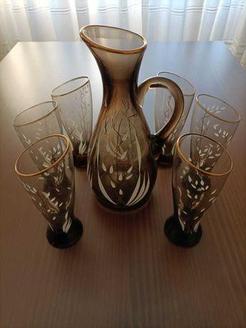 Conjunto de jarro e copos vintage