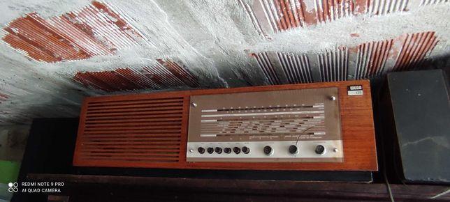 Rádio castanho antigo