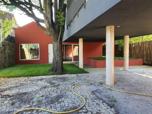 Apartamento T1 em condomínio fechado, junto Hospital S. João