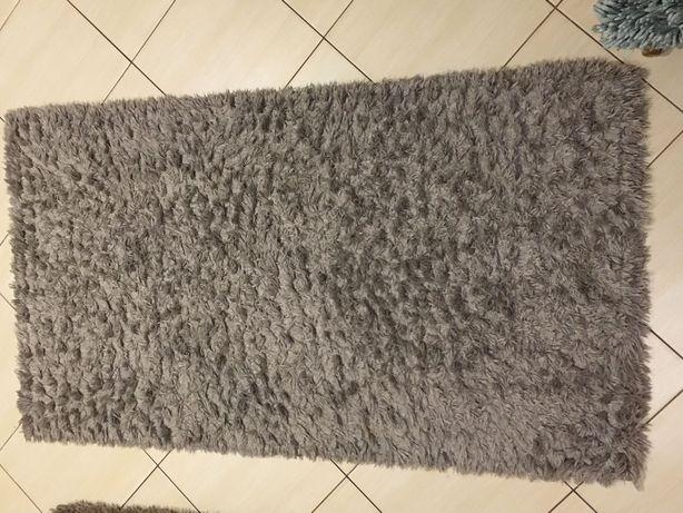 Dwa dywany           X