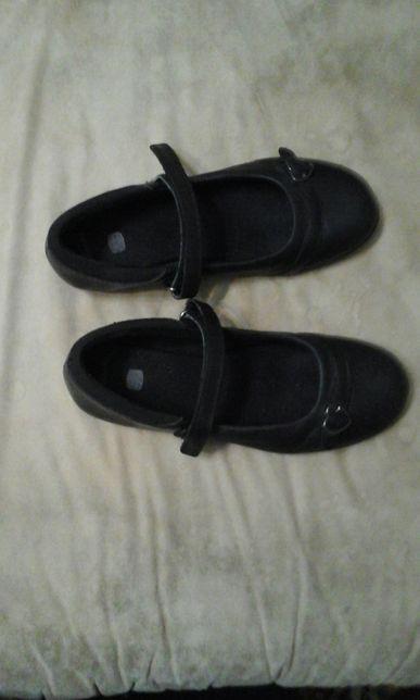 Туфли туфельки Clarks 34-35 р-р школьные