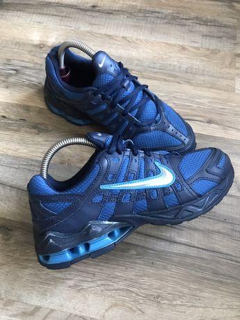 Кроссовки Nike р.38.5