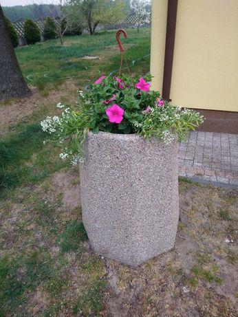 Donica betonowa na kwiaty