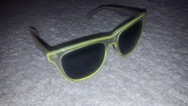 Óculos de Sol Estilo Ray Ban Wayfarer Transparentes e Fluorescentes