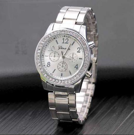 Женские часы Geneva металлический ремешок (Разные цвета)