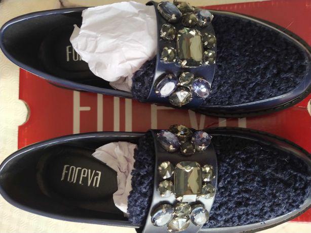 Sapatos Foreva novos