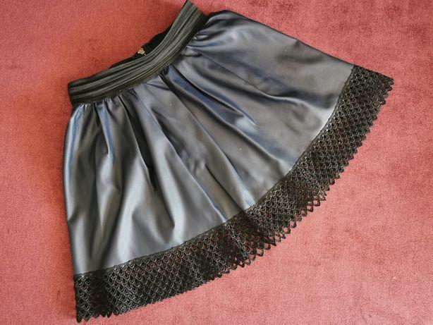 Модная юбка из эко-кожи