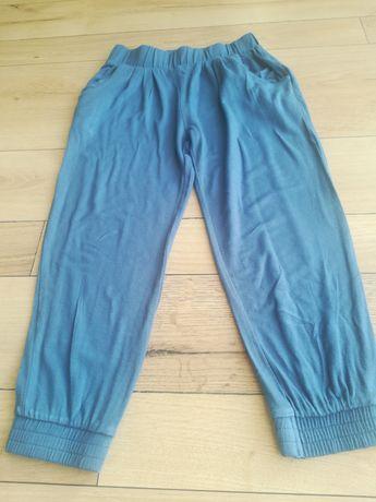 Spodnie dresowe dla dziewczynki firmy lupilu rozmiar 98/104