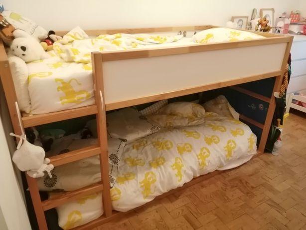Cama IKEA dupla pinho
