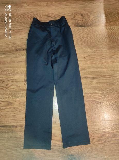 Spodnie garniturowe rozmiar 122
