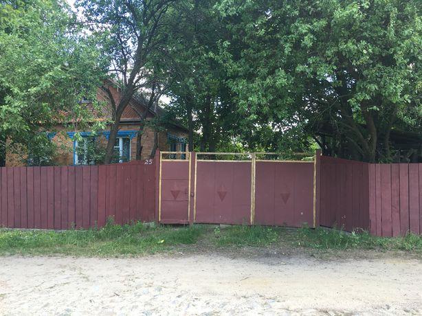 Продаж будинку з меблями