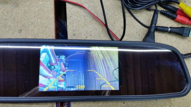 Câmara de Marcha-trás e espelho retrovisor com ecrã