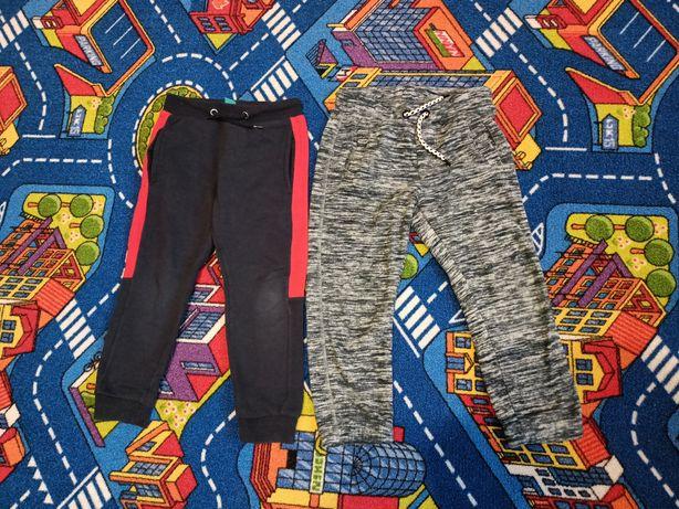 Ciepłe spodnie chłopięce 104/110