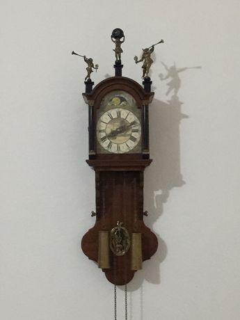 Антикварний годинник з боєм дерево бронза  Голандія