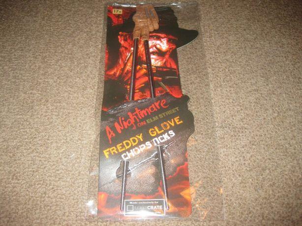 Chopsticks da série Nightmare on Elm Street/Oficial e Embalado!