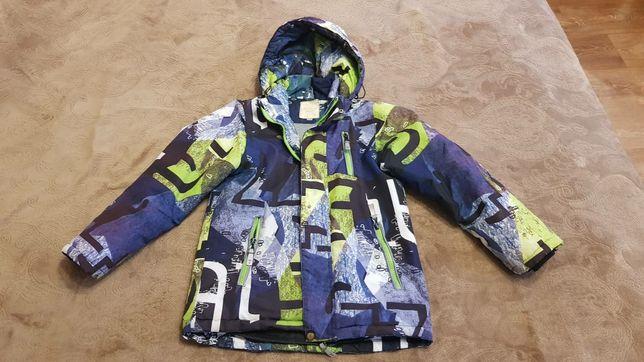 Продам осеннюю куртку на мальчика б/у