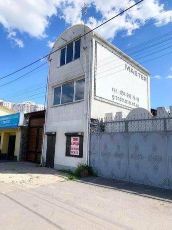 Отдельно стоящее здание в 3 этажа на Косм.Комарова. От собственника