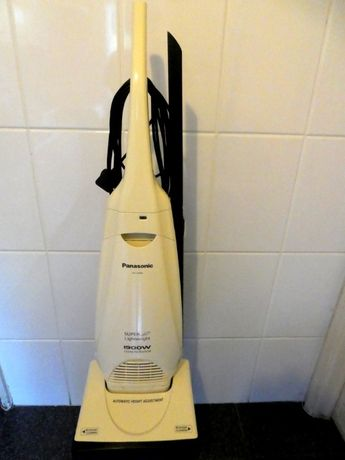 Aspirador vertical Panasonic