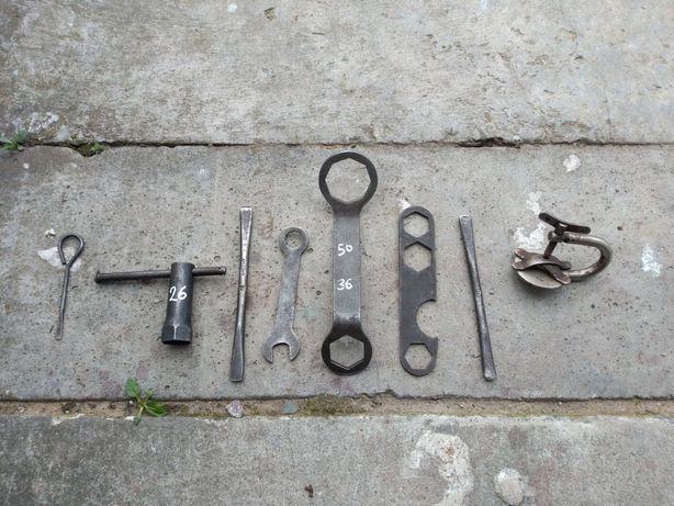 Zestaw starych narzędzi 11 elementów starocie dla kolekcjonerów
