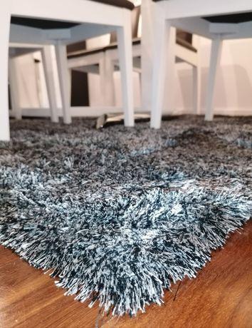 Oportunidade: duas carpetes belíssimas pelo preço de uma