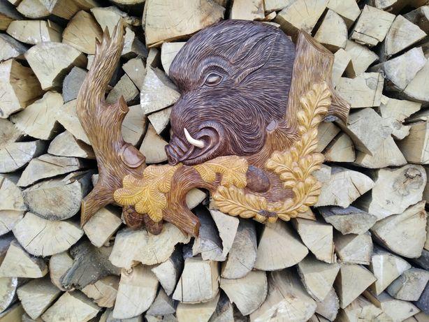 Різьба по дереву ручної роботи.