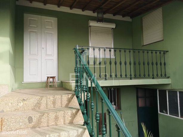 Moradia 6 quartos com terreno em Santo Tirso