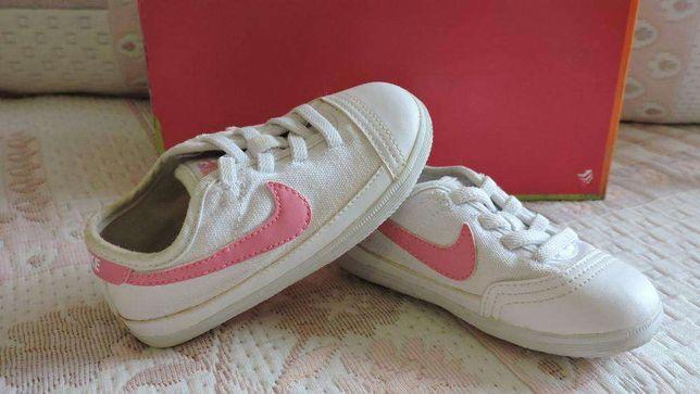 Botas Nº22 (Zara) e Tennis (Nike)Nº 22