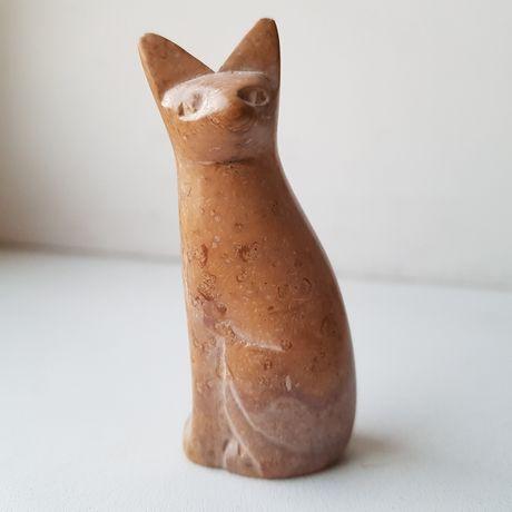 Каменная фигурка кошки. Кот. Кошка. Статуэтка.