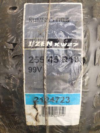 Зимние шины KUMHO I'ZEN KW27 255/45 R18 (новые)
