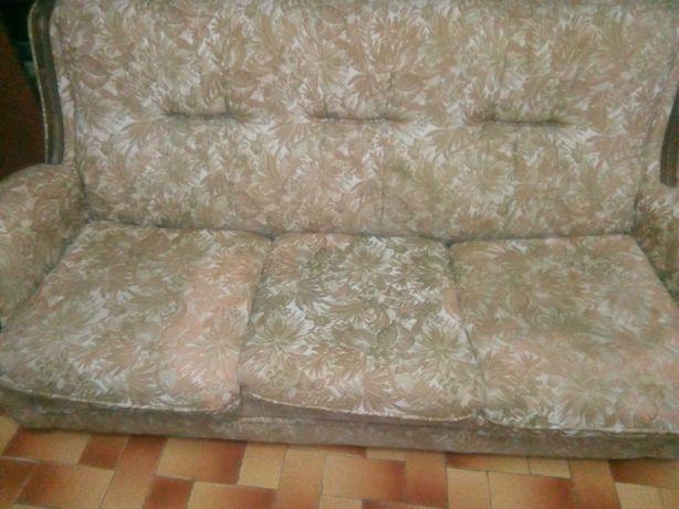 Sofa três lugares com cama
