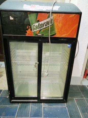 Mini bar frigorífico