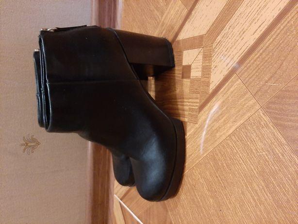Ботинки осень 39размер