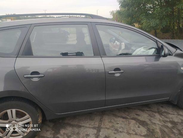 Hyundai i30 CW drzwi prawy tył