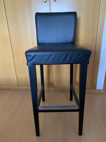 Cadeira alta preta