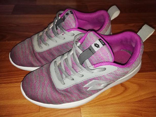 Кросівки фірми Lotto 38 розмір (24,5см)