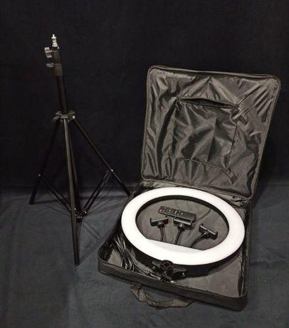 Профессиональная кольцевая лампа RL-18 45 см со штативом