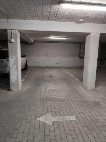 Miejsce postojowe w hali garażowej E.Orzeszkowej 29