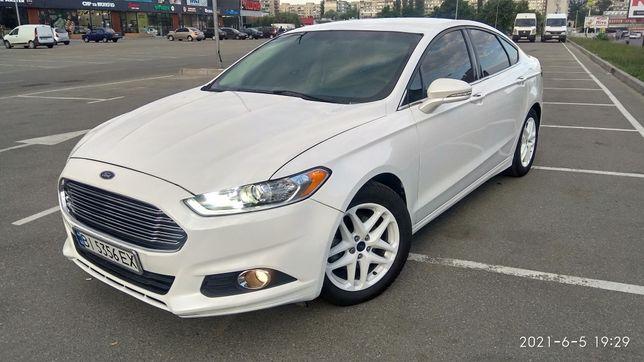Ford Fusion SE 2014. Торг