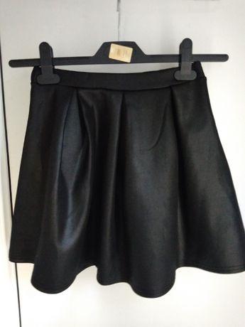 Модная юбка черная Англия