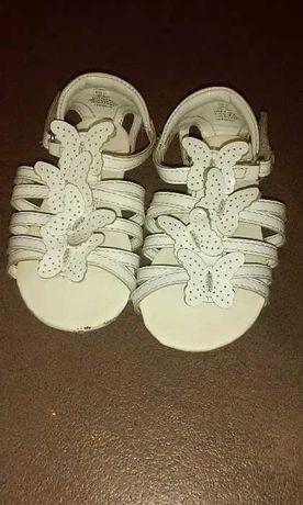Sandały z motylkami h&m r.22