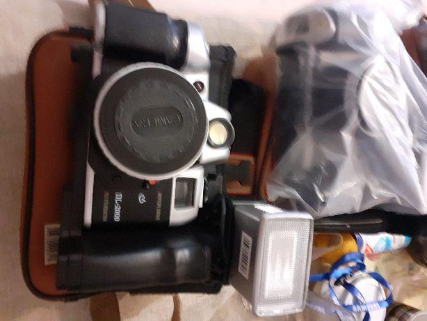 Sprzedam 4 szt. kultowy aparat fotograficzny canon DL-2000