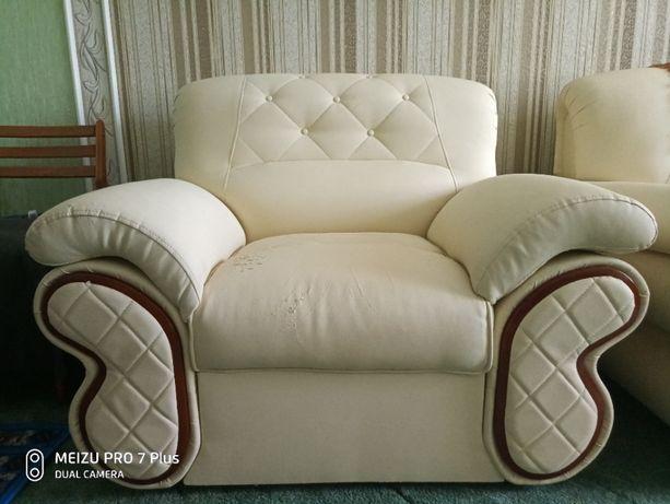 Мягкий угловой диван с креслом
