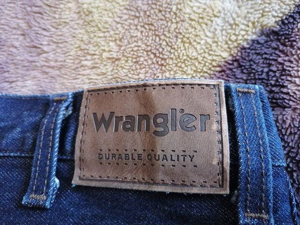 Джинси wrangler 32